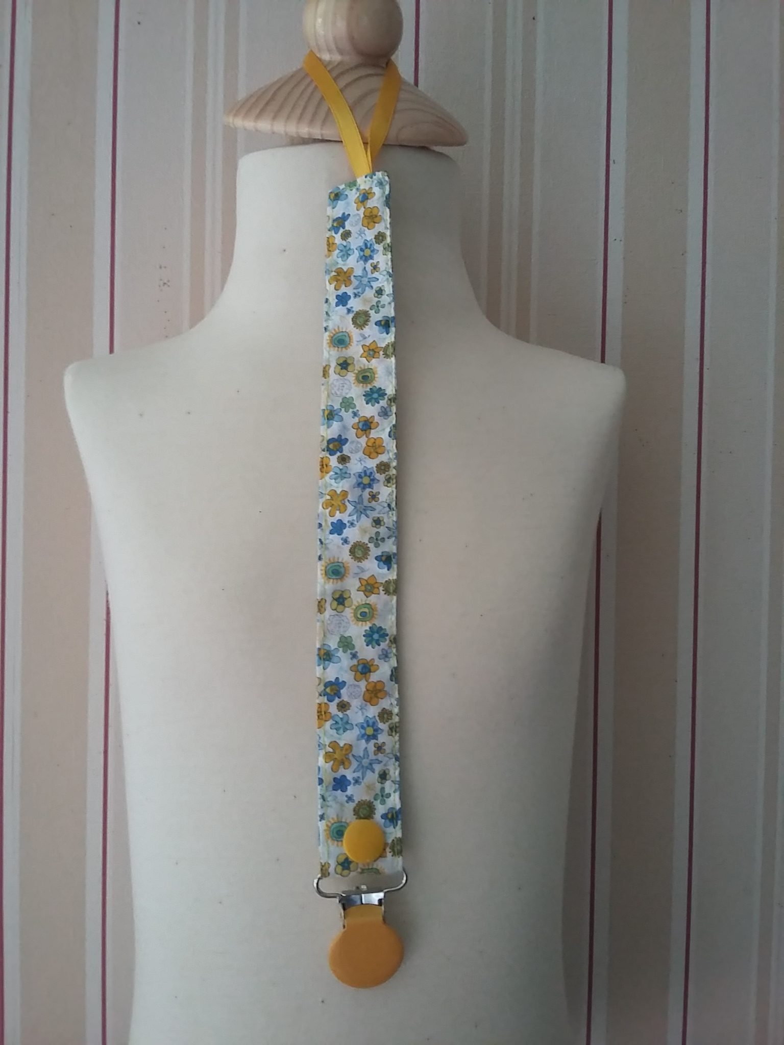 Attache-tétine Liberty Ibstonian bleu et jaune : 9 €