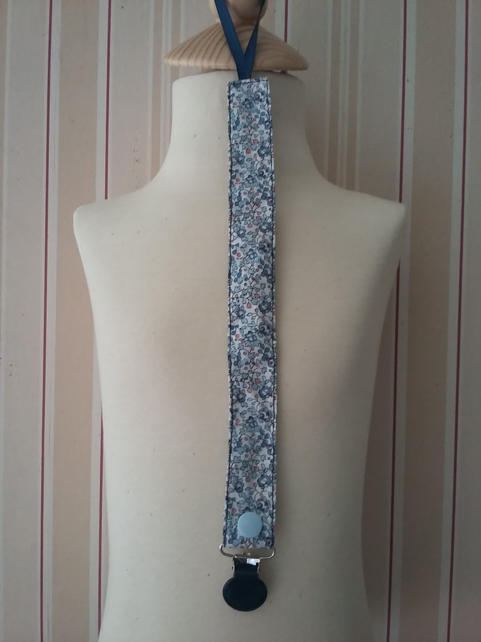 Attache-tétine Liberty Eloise Bleu 9 €