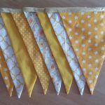 Guirlande de fanions jaunes